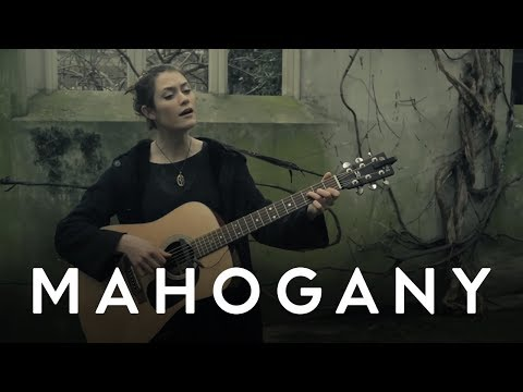 Rachel Sermanni - Breathe Easy // Mahogany Session