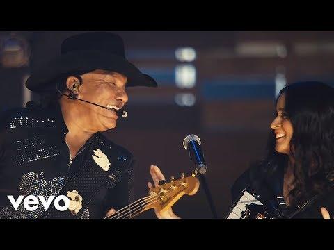 Bronco - Adoro (Primera Fila) (En Vivo) ft. Julieta Venegas