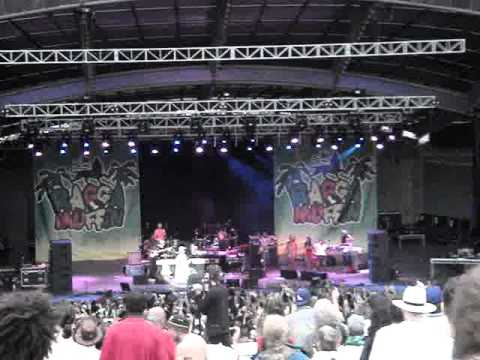 Lauryn Hill Live Melbourne 2010 part 1