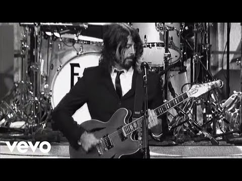 Foo Fighters - Bridge Burning (Live on Letterman) - foofightersvevo
