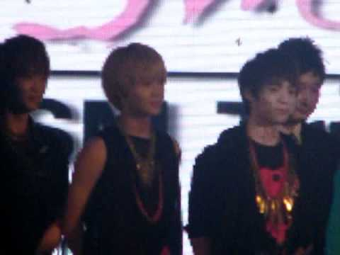 [Fancam] 110816 SHINee @ SM TRUE Press Conference 1
