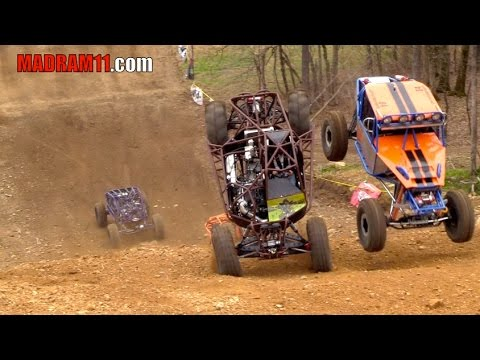 4 WIDE ROCK BOUNCER KNOCKOUT RACING IS INSANE - UCQMYWynQkK-Q-sd0u2_rF0A