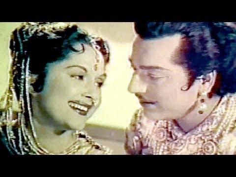 Mat Maro Shyam Pichkari - Lata, Bina Rai, Pradeep Kumar, Durgesh Nandini Song