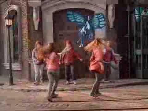 Un paso-Casi Ángeles video clip