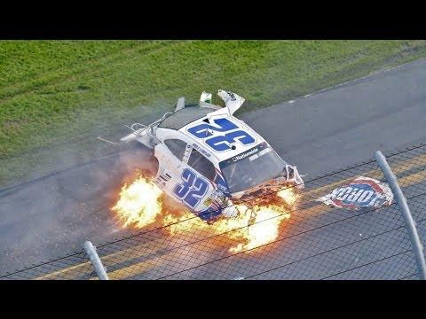 Amazing Crash Sequence, Daytona 2013, Kyle Larson (#32)