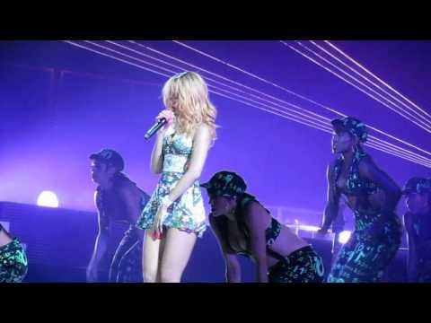 Rihanna - Where Have You Been Live @ Lyon Halle Tony Garnier 03/06/2013