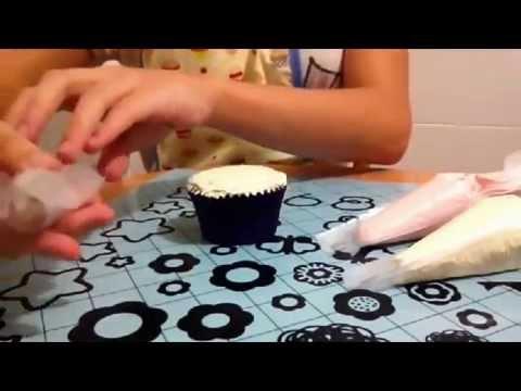 Cómo Decorar Cupcakes con Buttercream de Dos Colores