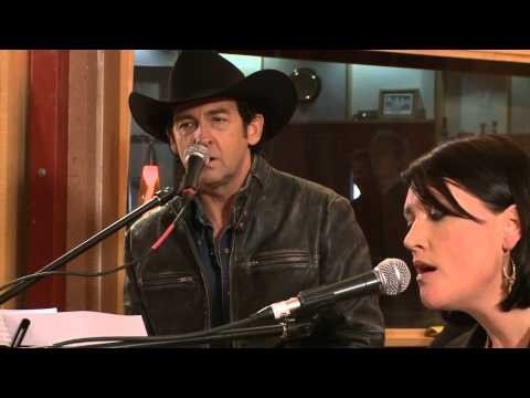Song Of Australia - Colin Buchanan with Lee Kernaghan & Sara Storer (The Songwriter Sessions DVD)