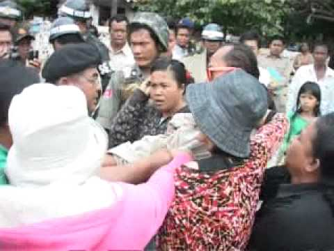 April 21, 2011, Boeung Kak villagers protesting in front of Phnom Penh City Hall-I
