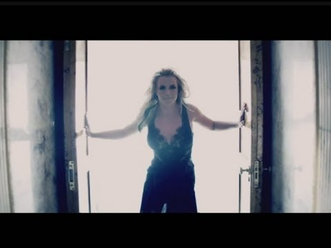 MUSIC NEWS: Britney Spears reveals Criminal vid