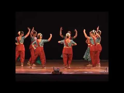 ७५० नृत्यांगनांचा नृत्याविष्कार