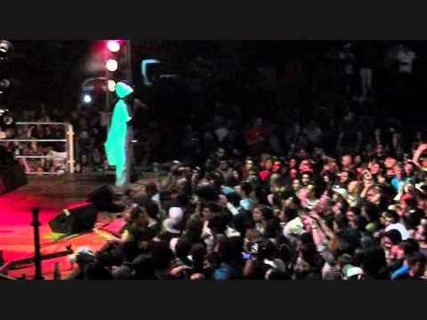 Anthony B - Raid The Barn [Rasta Love Tour 2011 Live @ Catanzaro]