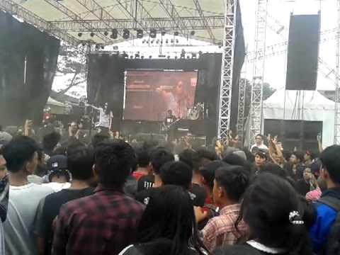 Billfold - Abaikan @ Kickfest 2012 Bandung