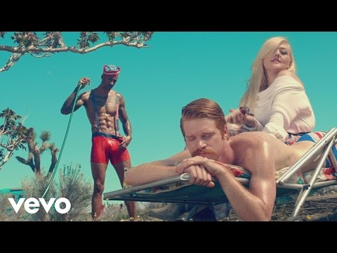 Elle King - Ex's & Oh's (Official Video) - UCglELn2MzAGxlYeiZr4jdvw