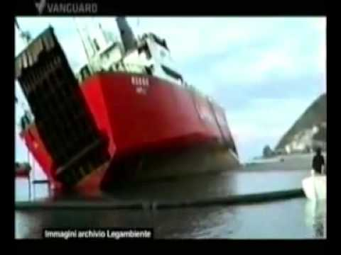 Navi affondate e rifiuti tossici. Reportage di Current tv 13