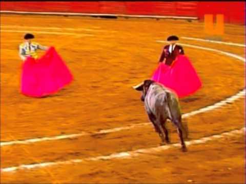 Juli, orejas y rabo   Plaza Mexico 30 enero 2011 Parte 1