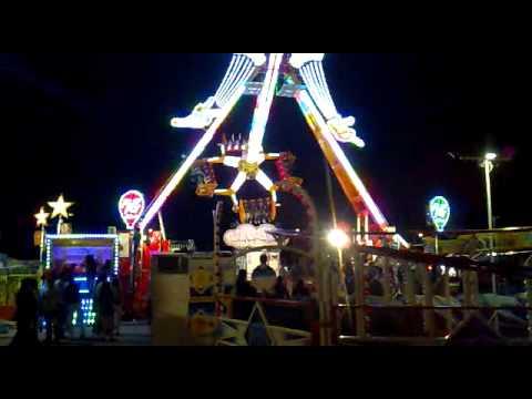 Atracción Flip Fly en las Ferias de Mayo 2011 en Talavera de la Reina ( Toledo ).