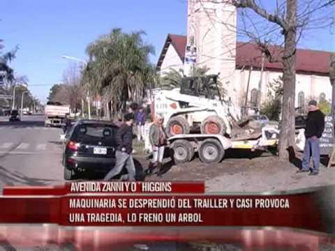 Maquinaria se desprendió del trailer en Zanni y O´Higgins