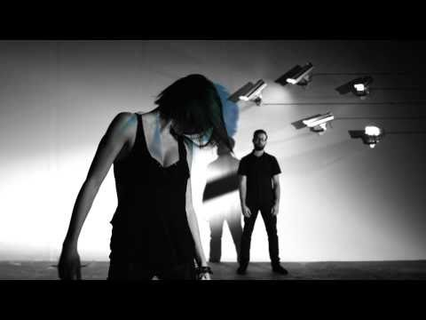 "Phantogram ""When I'm Small"" -28tZ-S1LFok"