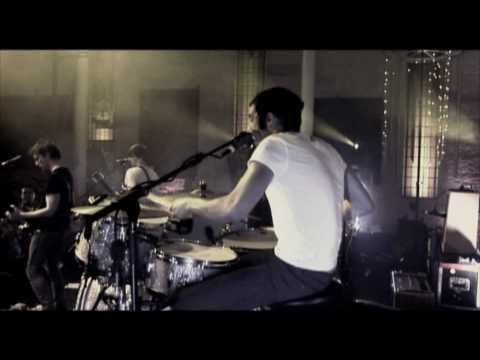 JET - Seventeen - Official Music Video