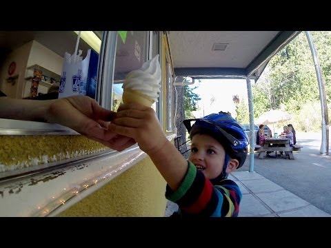 GoPro: Father Son Tandem Bike Ride - UCqhnX4jA0A5paNd1v-zEysw