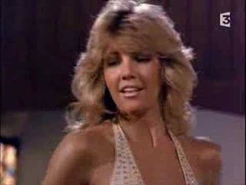 TJ Hooker - Heather Locklear dances!