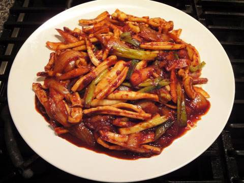 Stir-fried squid dish