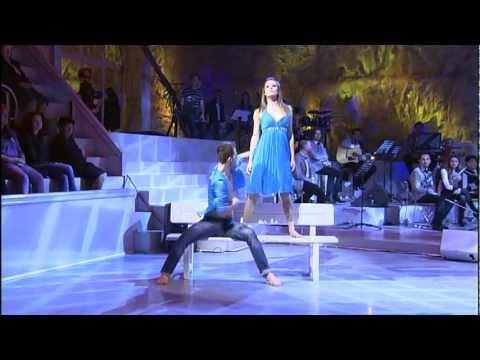 CONTEMPORARY DANCE nga ESDALIN & OLA GORANI ( E DIELL 24 Mars 2012.)