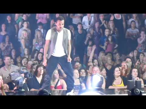 [HD] NKOTBSB - Everybody (Backstreet's Back)  - Toronto Air Canada Centre ACC - June 8 2011