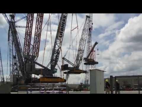 LIEBHERR Kranmobile aus 5000t Stahl  LIEBHERR mobile crane from 5000t steel