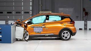 Электромобиль Chevrolet Bolt разбился на пятерку