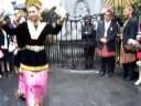 Manneken Pis in Lampung clothes: Tari Piring - 3