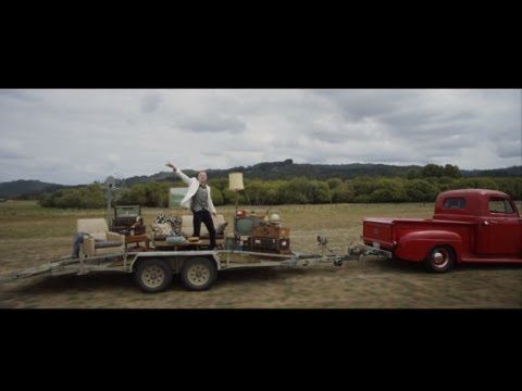 MACKLEMORE & RYAN LEWIS – CAN'T HOLD US FEAT. RAY DALTON OFFICIAL MUSIC VIDEO