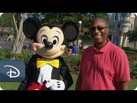 Joe Morton From ABC's 'Scandal' Visits Walt Disney World Resort | Disney Parks