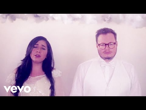 Leonel García, Carla Morrison - Que Lloro (Video Visual)