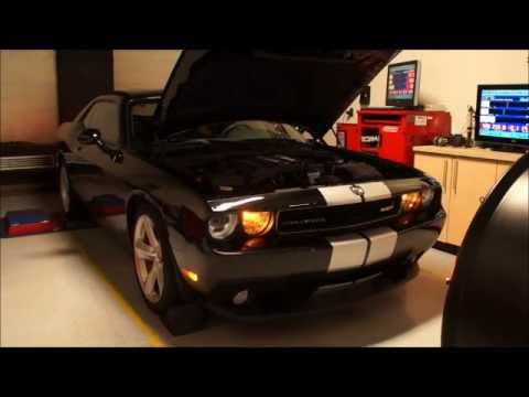 Edelbrock Supercharged 6.1 SRT8 Challenger by RDP