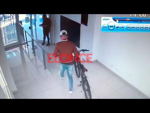 Sujeto roba una bicicleta de un edificio en el centro de Paraná