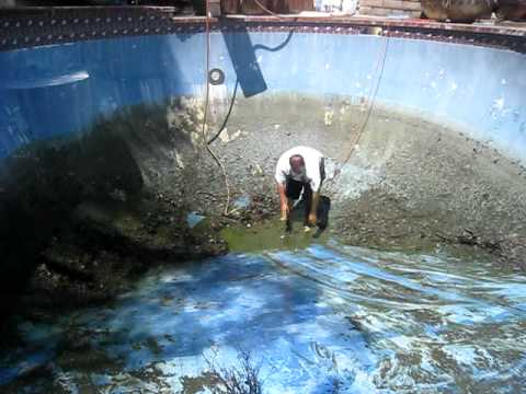 Epic pool cleaning fail !