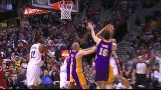 Kobe Bryant 展現防守實力, 看準時機封下對手的飛身入樽企圖