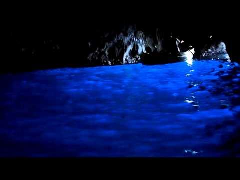 これは神秘的!イタリア「青の洞窟」☆