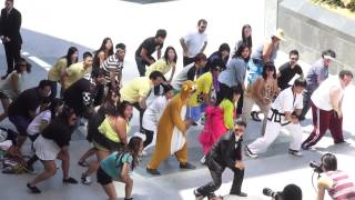 'Gangnam Style' Flash Mob in Korea Town (Wilshire/Western)