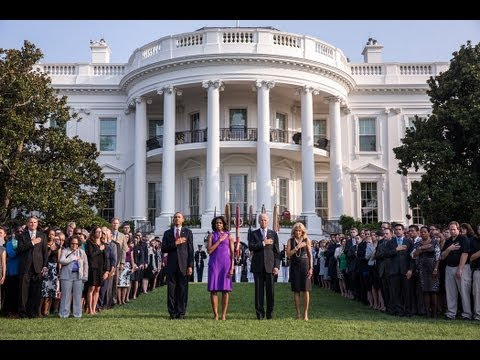Observing A Moment of Silence at the White House  9/11/13