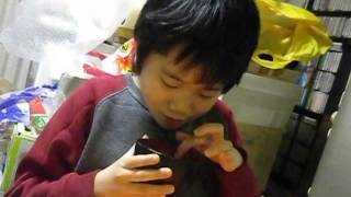 Tomomichi (intellectual handicapped boy) plays [Variation III] (John Cage).
