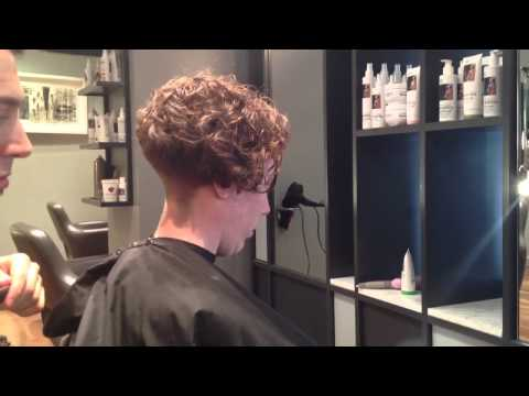 Adam Ciaccia - Creating ledge on curly hair. part 5