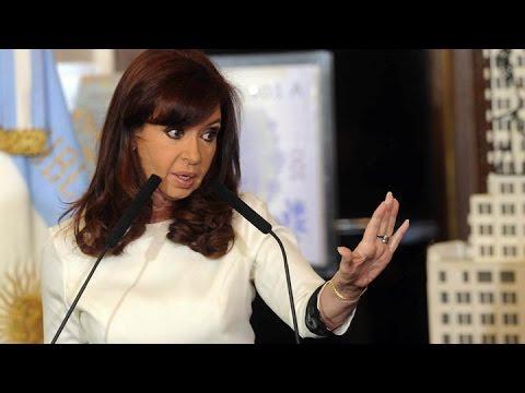 <b>CFK, sobre los fondos buitre:</b> &#8220;Nos quieren tumbar porque volvimos a ser un pa�s viable&#8221;