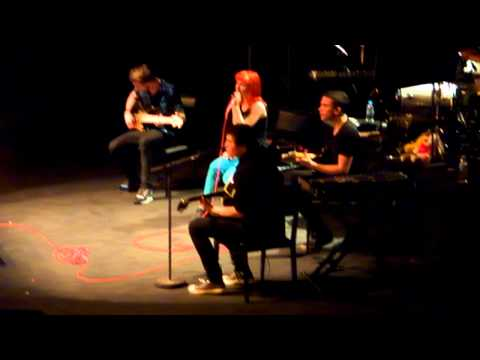 Paramore - In The Mourning / When It Rains [Live in Belo Horizonte - Brazil, 2011-02-17]