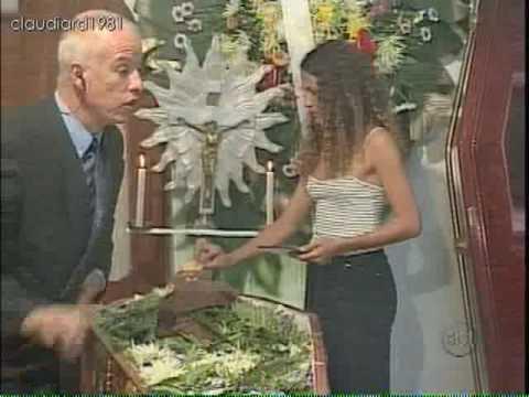 Maquiando o Defunto | Pegadinha | Programa Silvio Santos