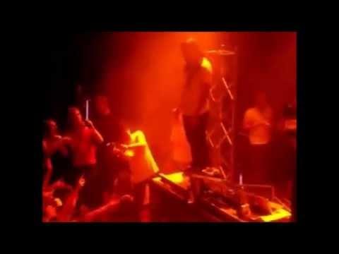 Steve Aoki Stage Dive FAIL - Steve Aoki Jumps Into Crowd Off Table (FAIL)