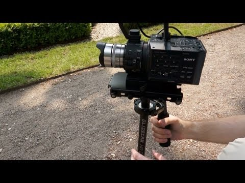 Glidecam HD-2000 / HD2000 Demonstration and Review - (Sony NEX-FS100)