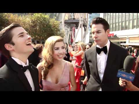 Jennette McCurdy, Nathan Kress &amp; Jerry Trainor Talk 'iCarly' at the Creative Arts Emmy Awards 2011